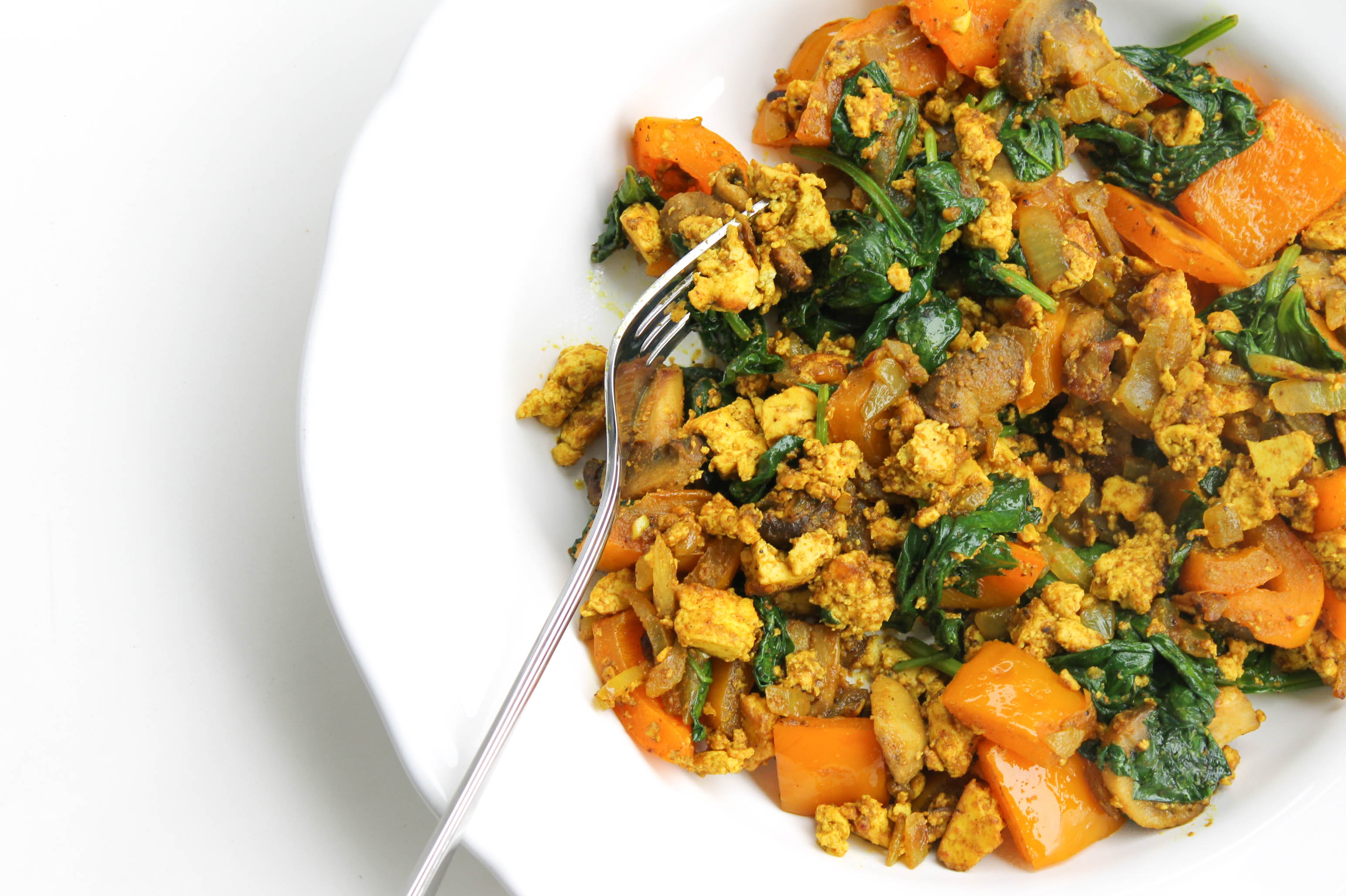 Curried Spinach and Mushroom Tofu Scramble - Reaching For Greens