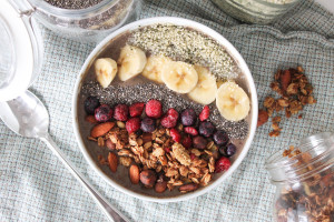 Mixed Berry & Kale Smoothie Bowl